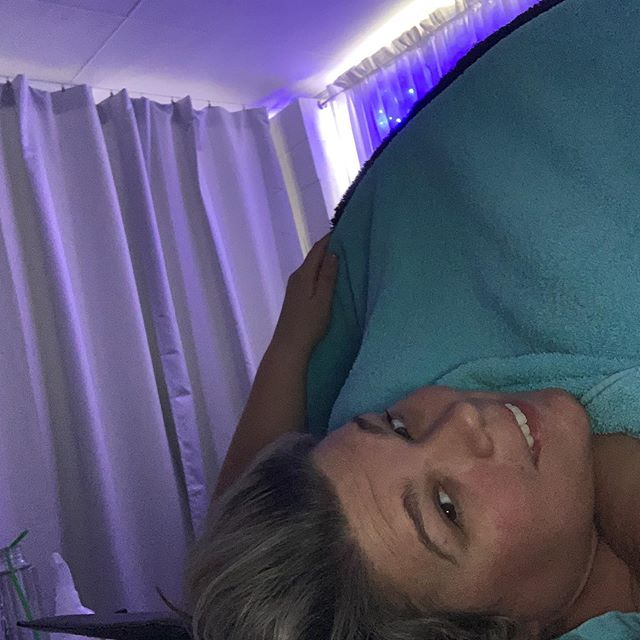 Selfie while hanging out in the thermadome pre facial! Thanks @bodyblissmedispaskinclinic for a relaxing morning! #plussizeadventure