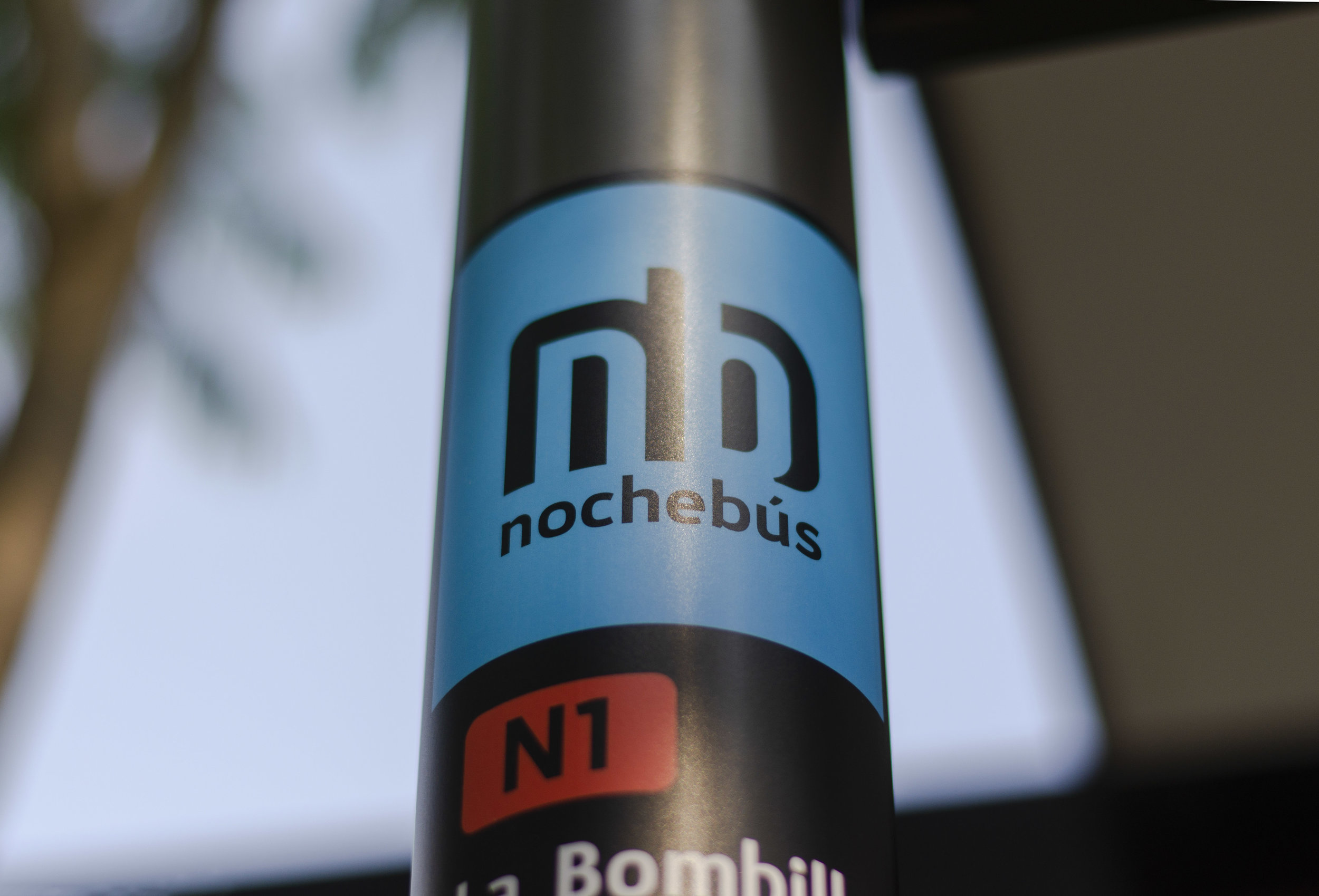Nochebús brand applied to on street products