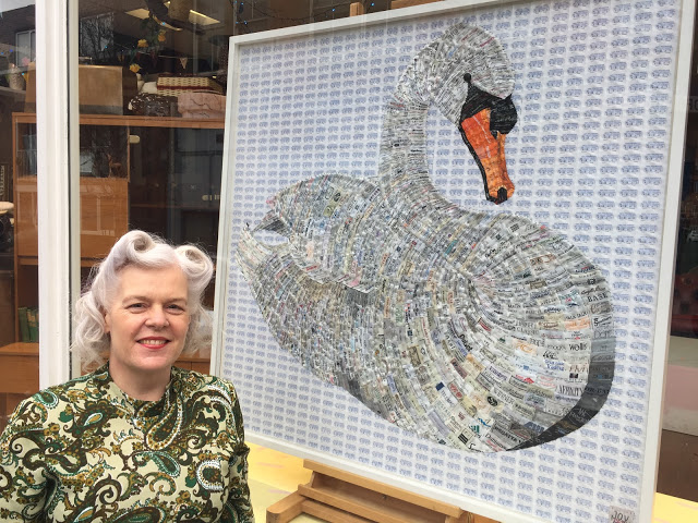 MUTE SWAN with 5000 Used labels