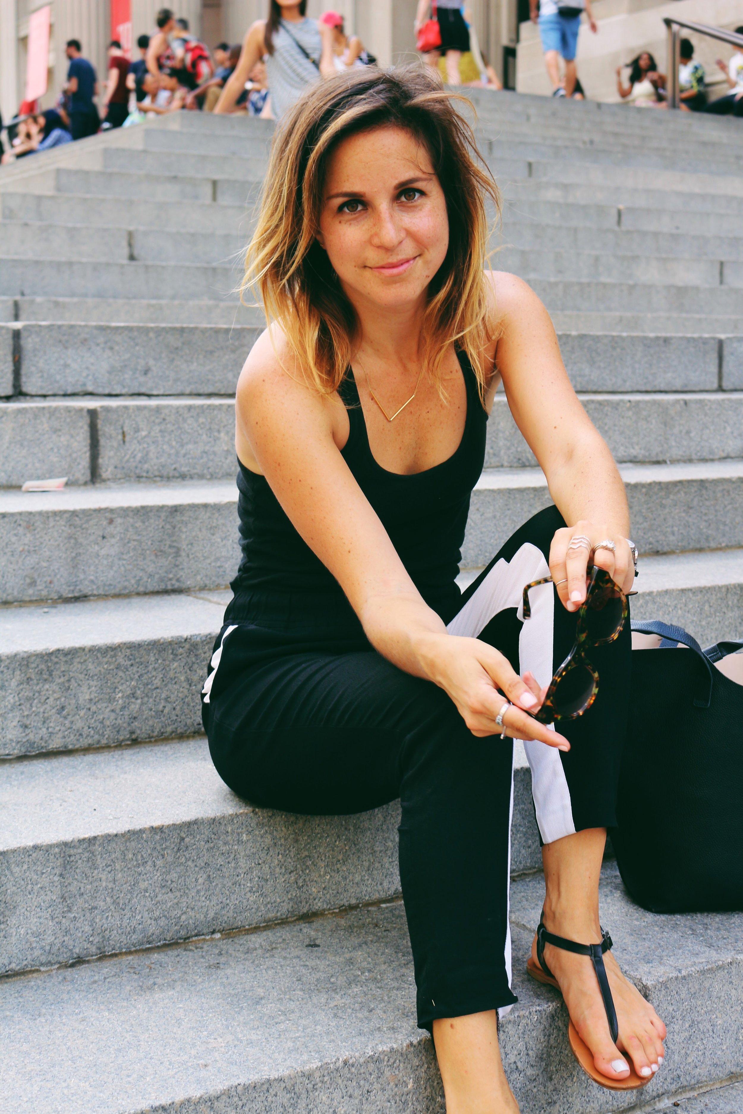 michelle williams - Creator of @coffeeandchampagne