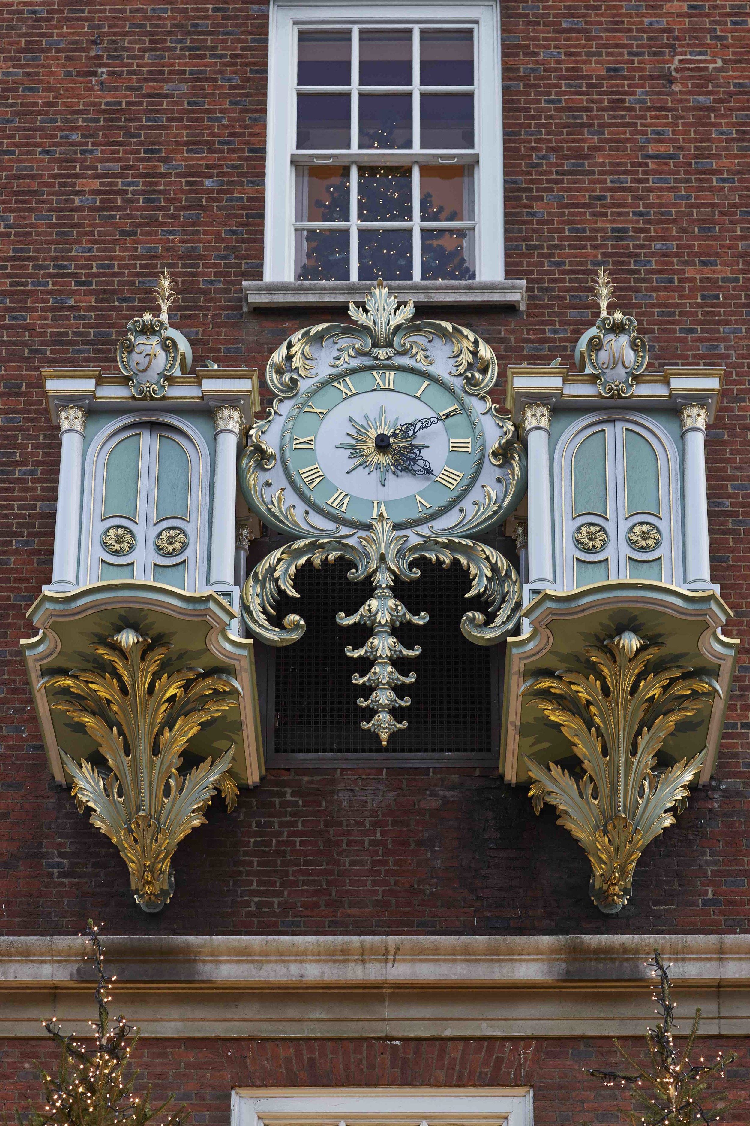 Fortnum and Mason External Clock