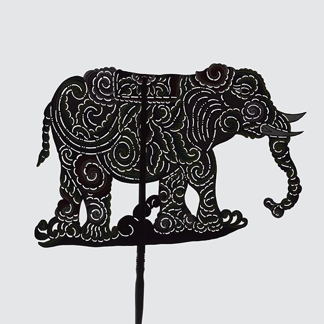 It is not grammatic but it's not anti-linguistic. #WayangKulit #silhouette #indonesia #photooftheday #影絵 #teashi #elephant #ぞう