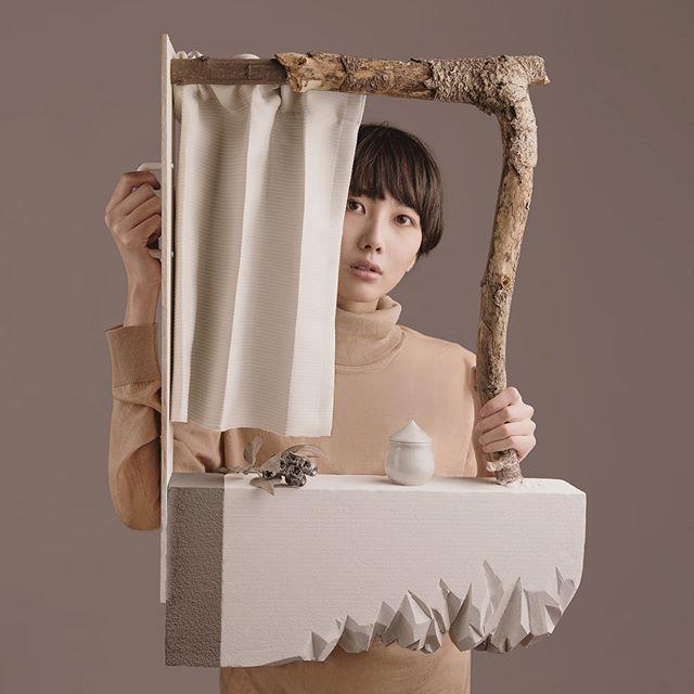 Windows  Model: Tomoko Sakurai Hair&Makeup: @ishiharamomoco  Photo with: @hattamasaharu  #bodycriticism #fashionphotography #ikebana #stilllife #photooftheday #contemporarydance #movement #wood #craft #diy #teashi