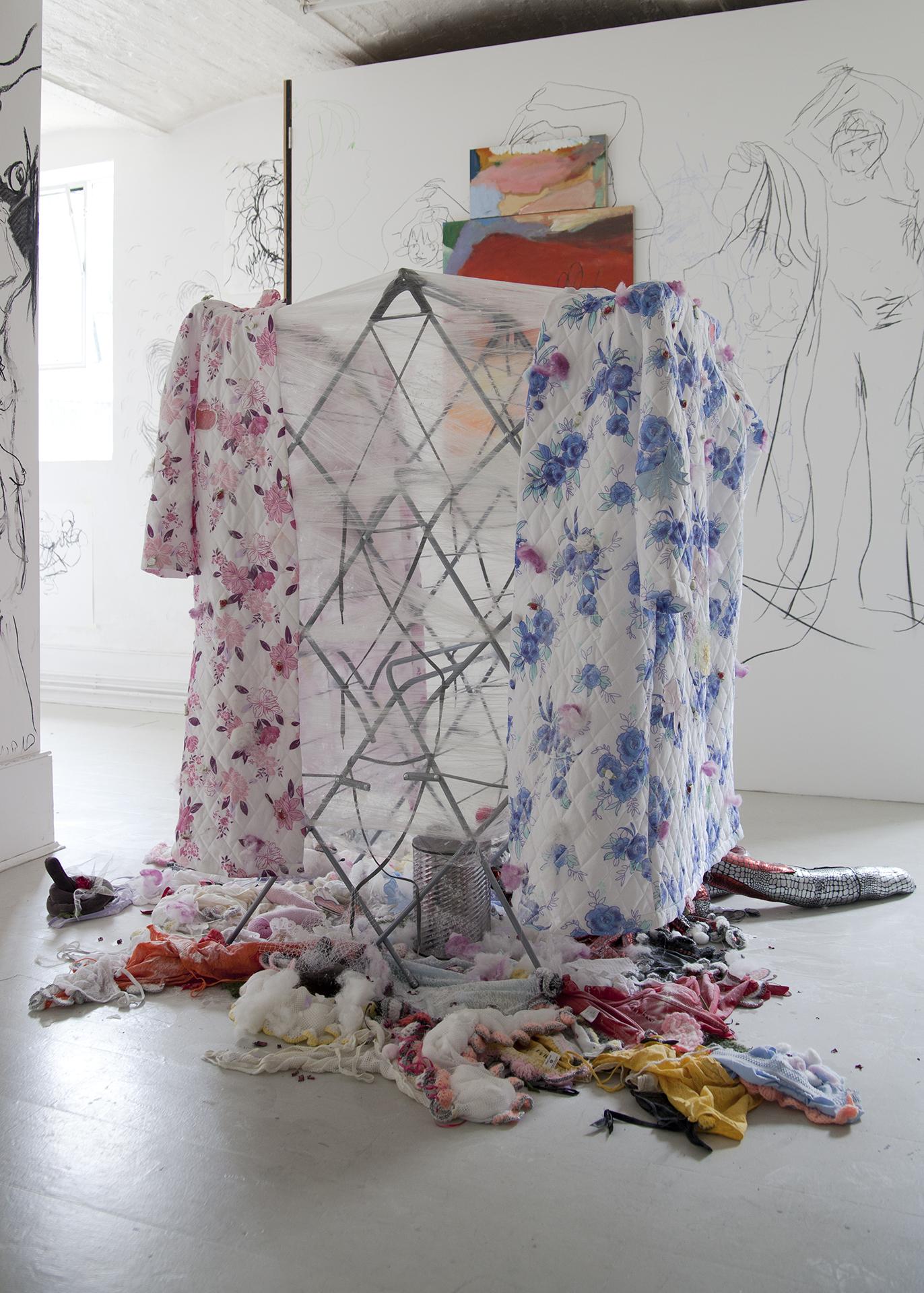 Julie Verhoeven - Bedswerver 001.jpg