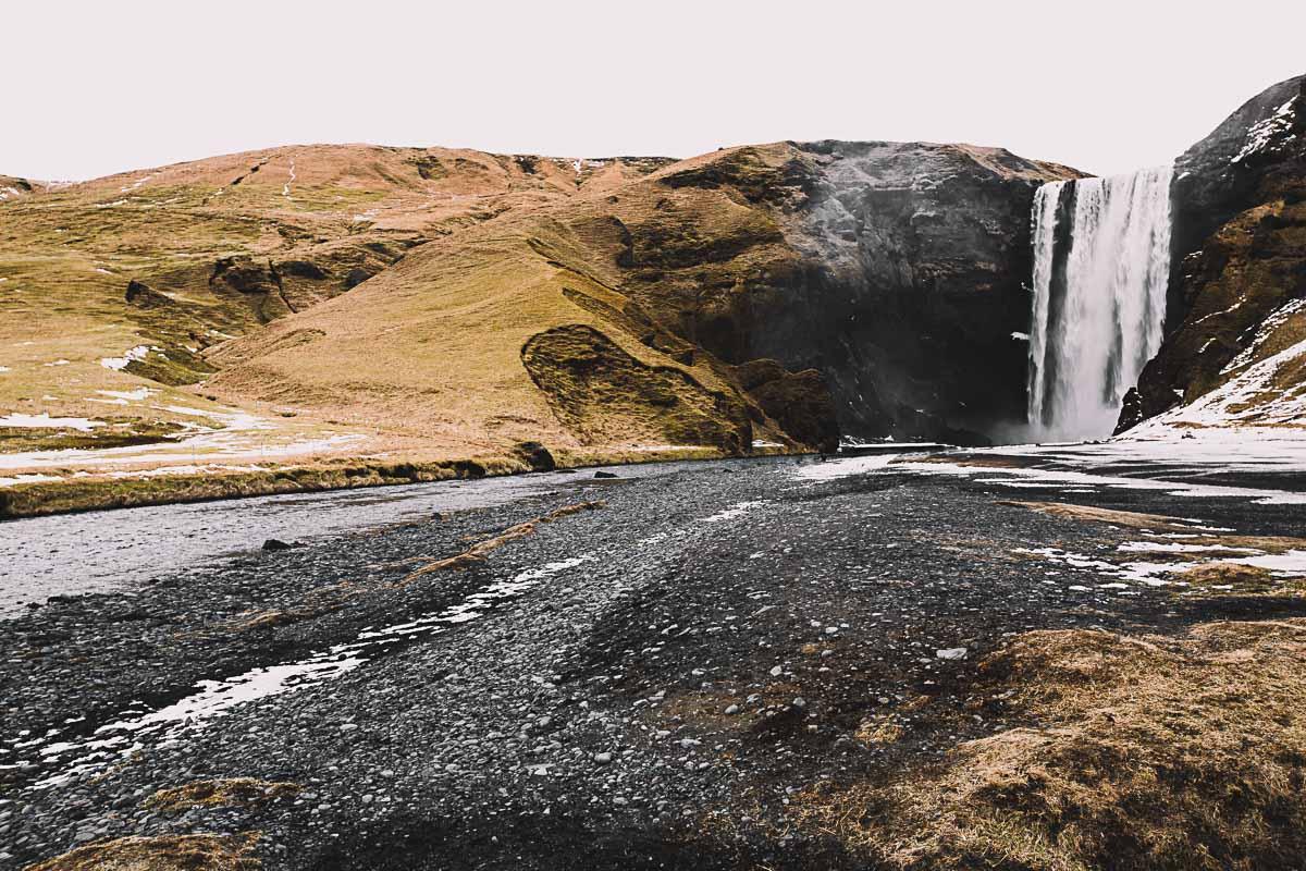 Bronwyn_Townsend_Iceland_Skogafoss