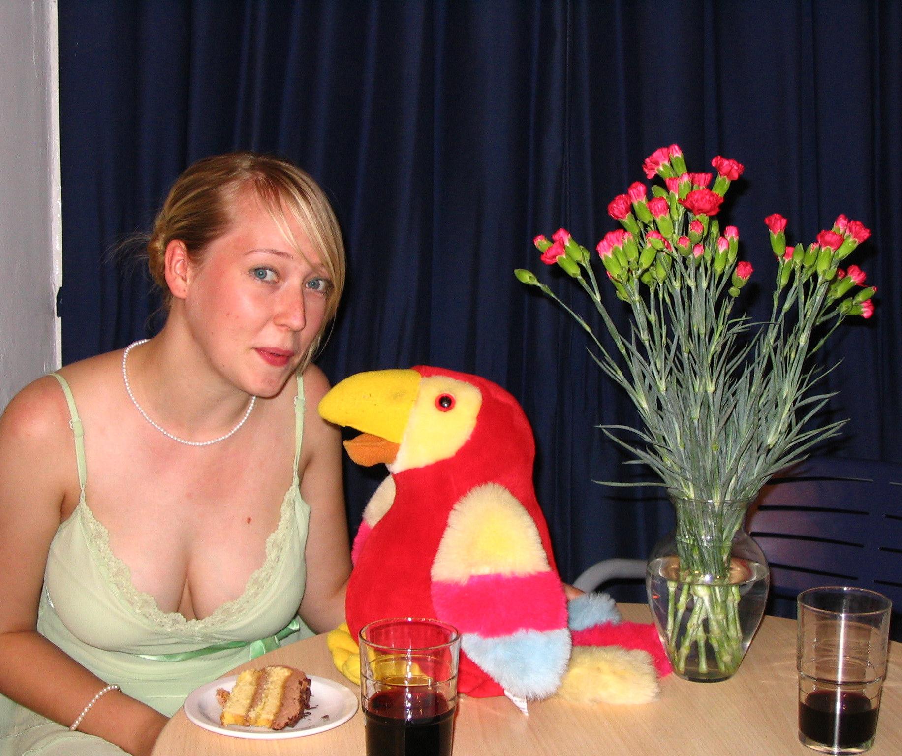 stool parrot (5).JPG