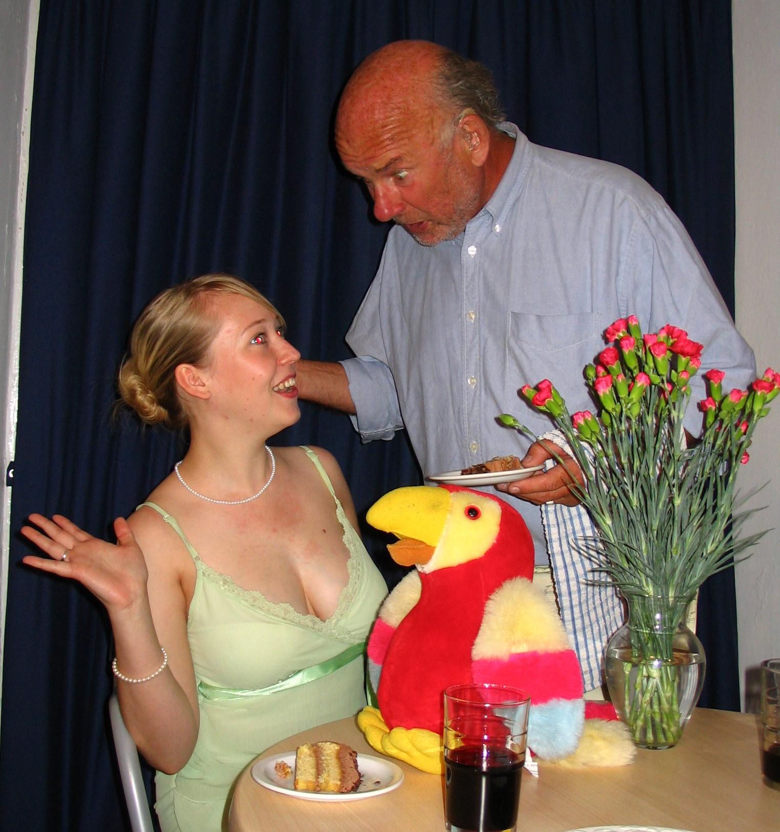 stool parrot (1).JPG