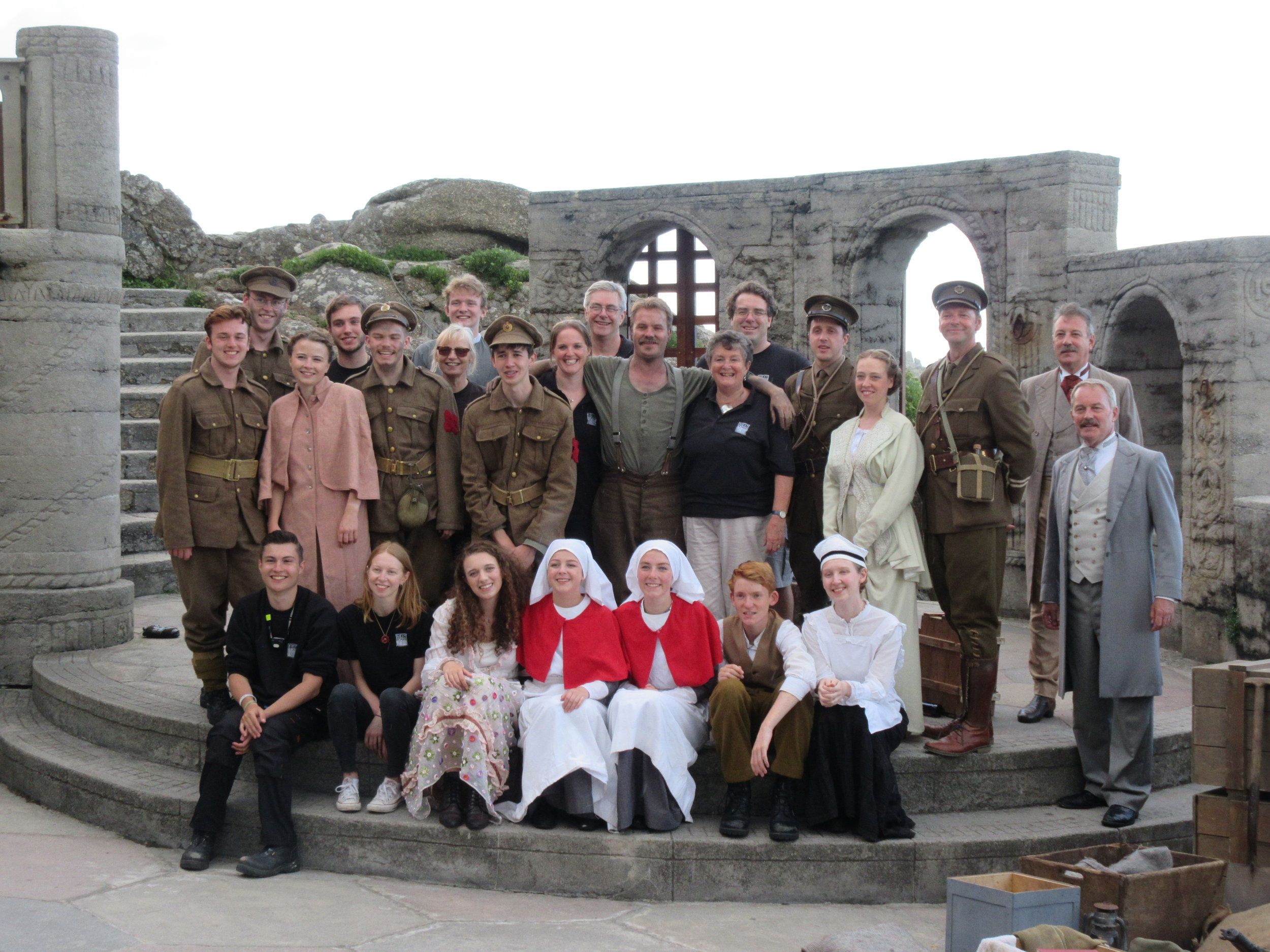 The cast and crew of Birdsong (2017)