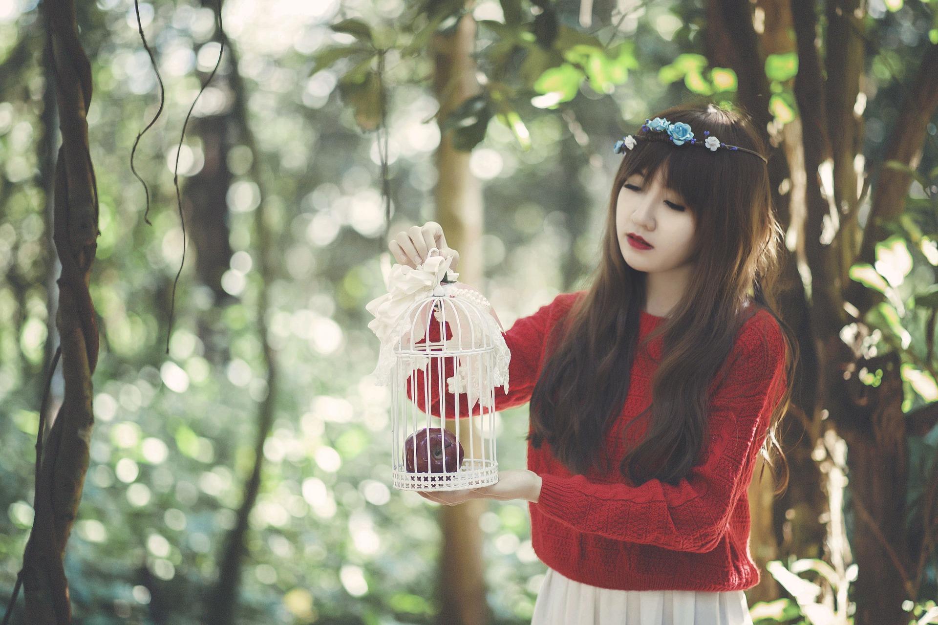 girl-1733335_1920.jpg