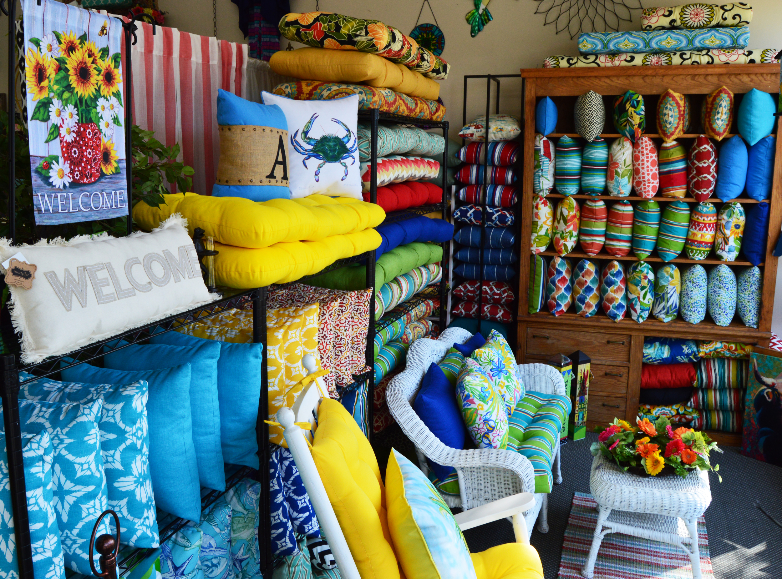 Indoor/Outdoor Cushions and Pillows