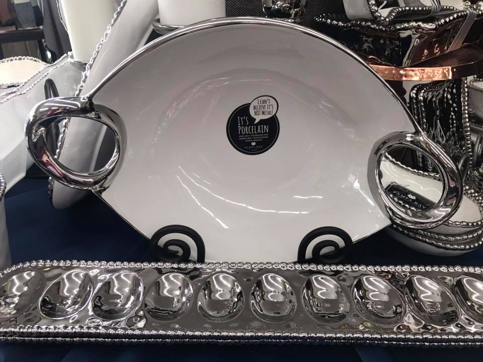 Pampa Bay Oval Tray with Handles and Egg Tray