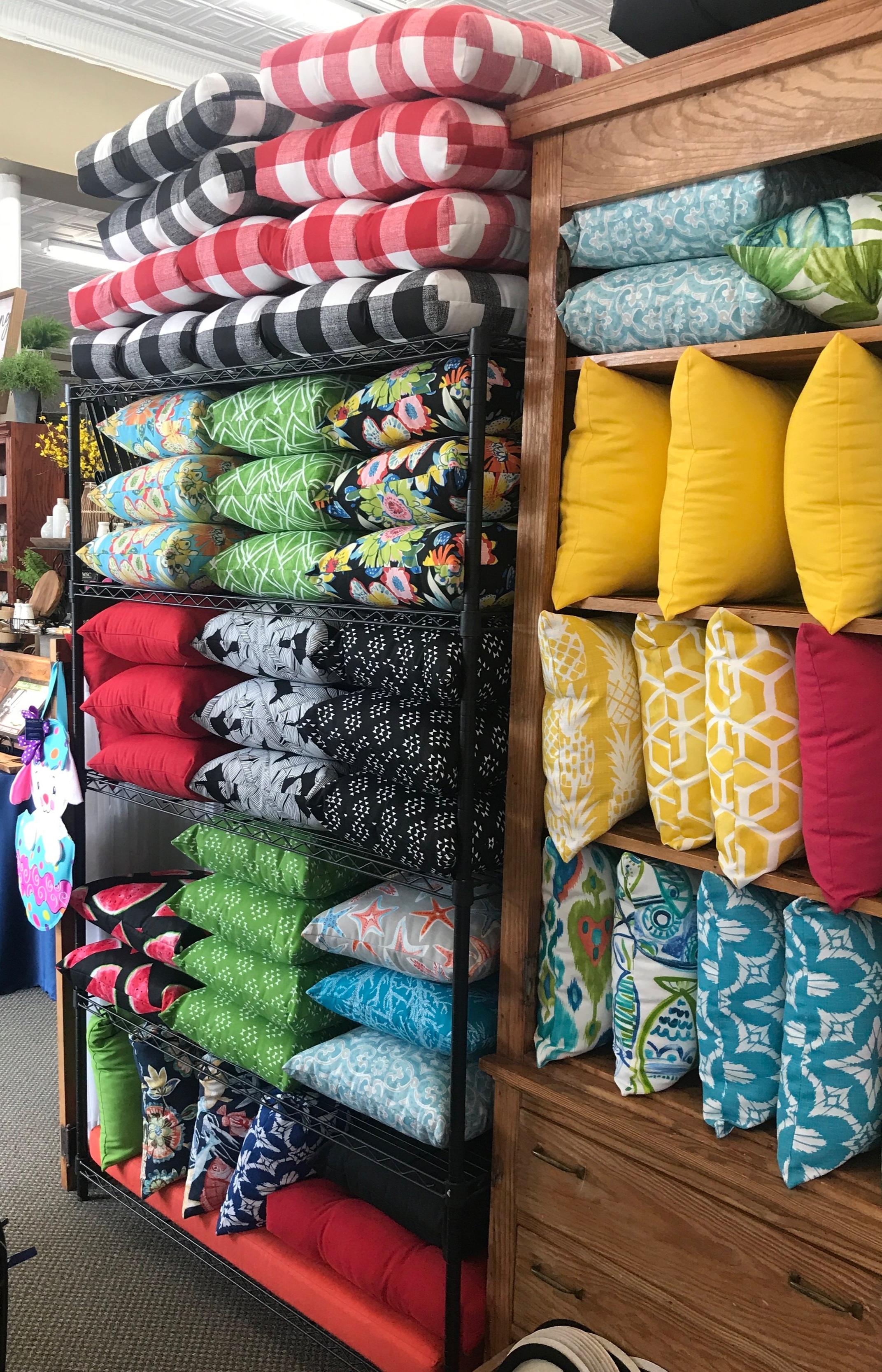Indoor/Outdoor Decorative Pillows