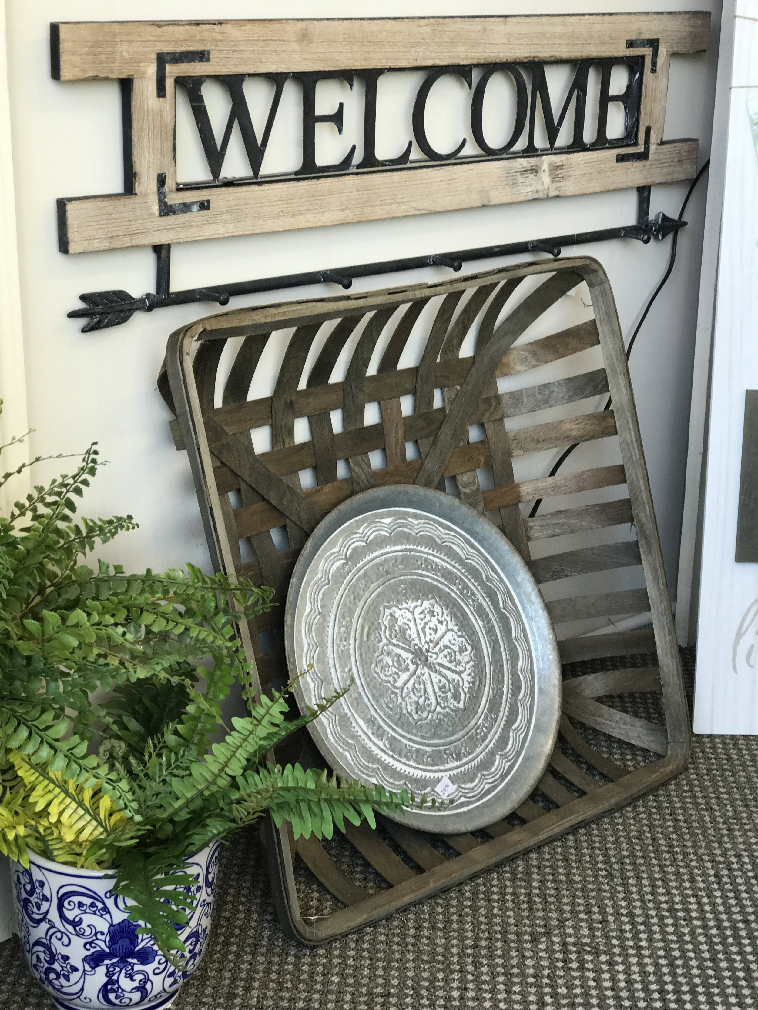 """""""Welcome"""" Hooks and Tobacco Basket"""