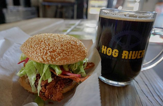 We've got a lot of private events during the week, but a weekend full of breweries for you!   Lunch Tues & Thurs at State House Sq. Fri🍻  @hogriverbrewing  Sat 🍻@newparkbrewing Sun 🍻@brewerylegitimus