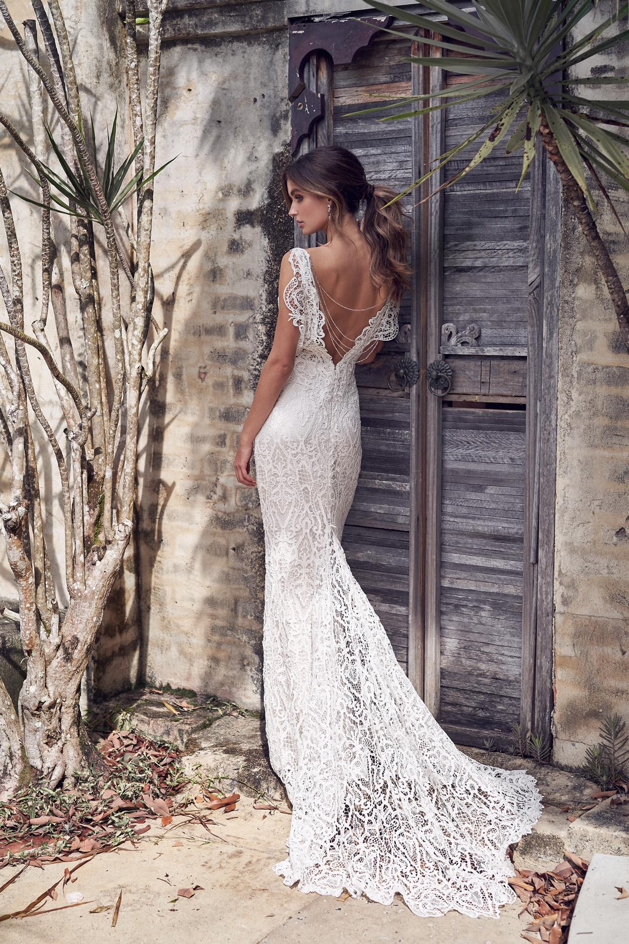 Kira_Dress_back_wanderlust_anna_campbell_wedding_Dress_inspire_Weddings.jpg