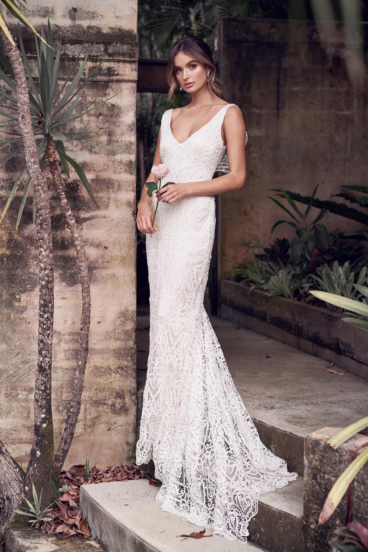Kira_Dress_wanderlust_anna_campbell_wedding_Dress_inspire_Weddings_.jpg