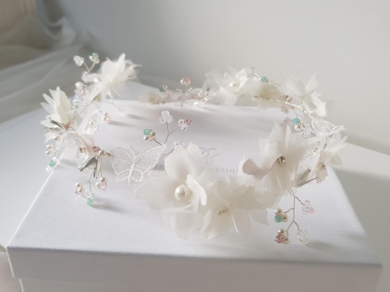 Deborah_K_Design_Wedding_hair_accessories_7.jpg