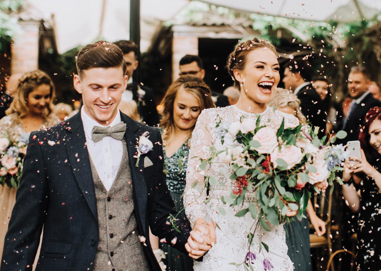 Jayne Lindsay - Wedding Photographer