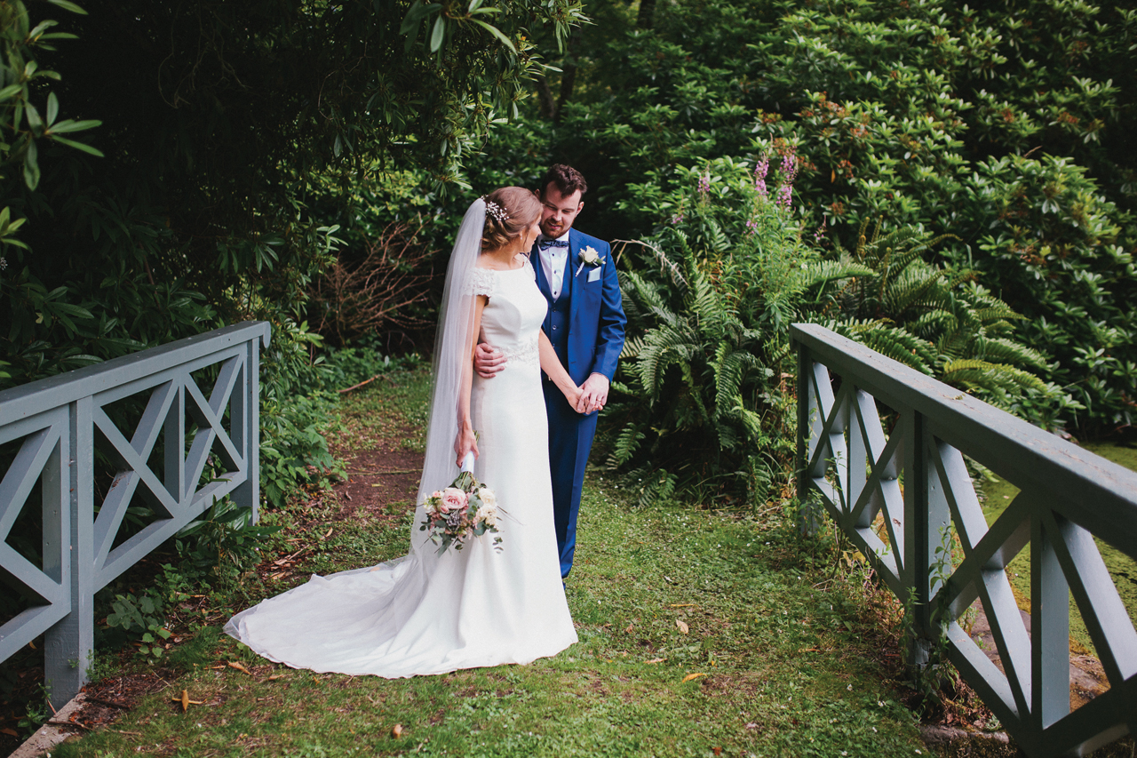 Sarah Bryden - Wedding Photographer
