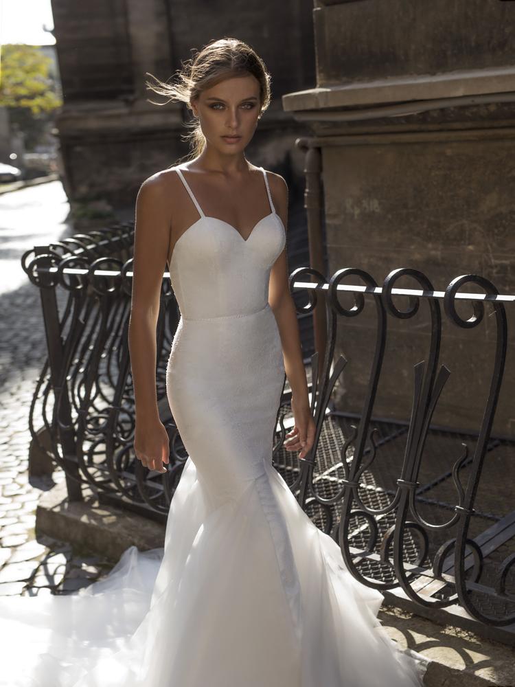 la-boda-bridal-wedding-dress-shop-northern-ireland_9.jpg