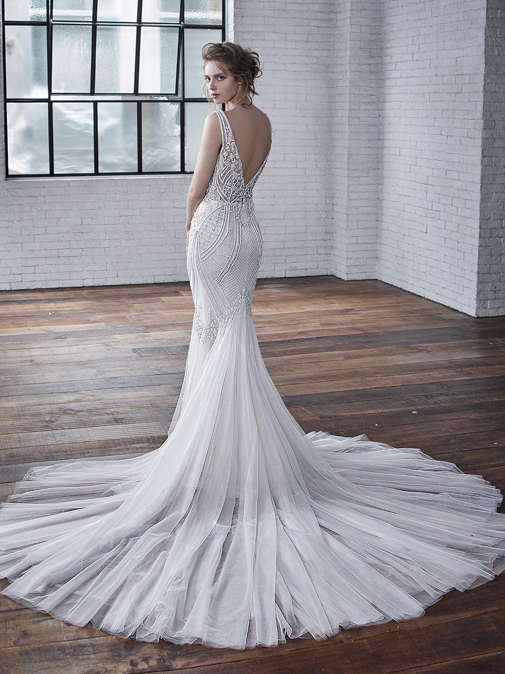 BM_Bride_2019_Pro_Charlize_Bac_Web.jpg