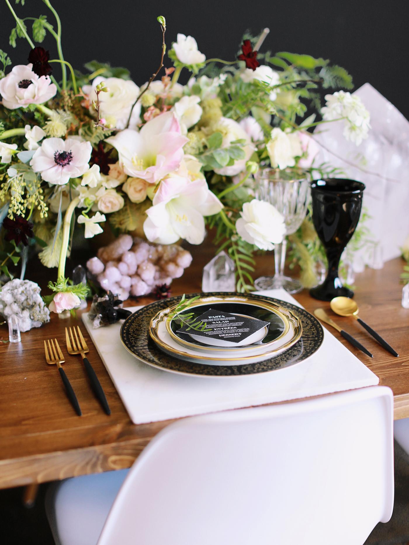 Black-and-gold-geometric-wedding-diana-marie-photo-081.jpg