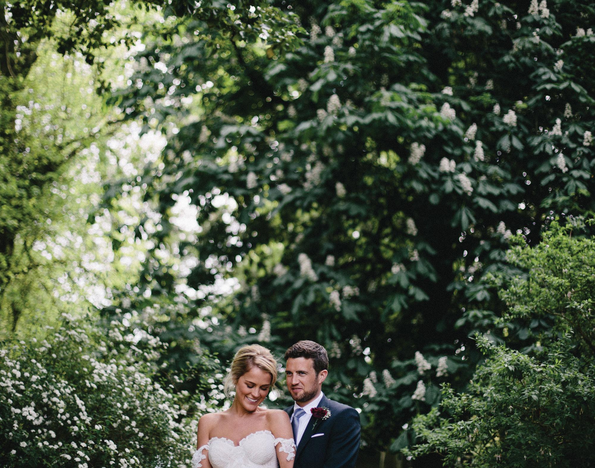 modern-bride-and-groom-wedding-photography-laura-curran-photography-ireland.jpg