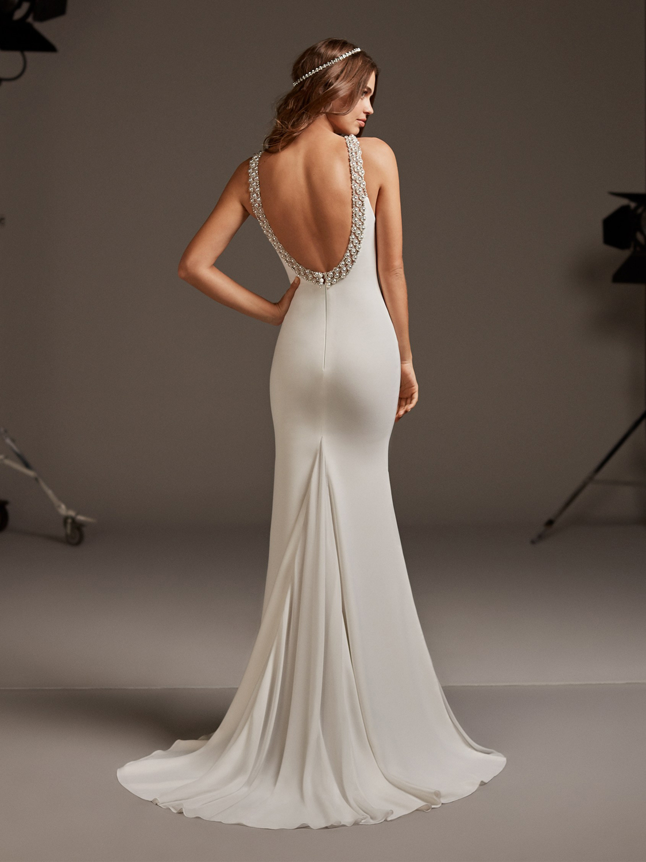 Pronovias_wedding_dress_Belinda_dress_back_view.jpg