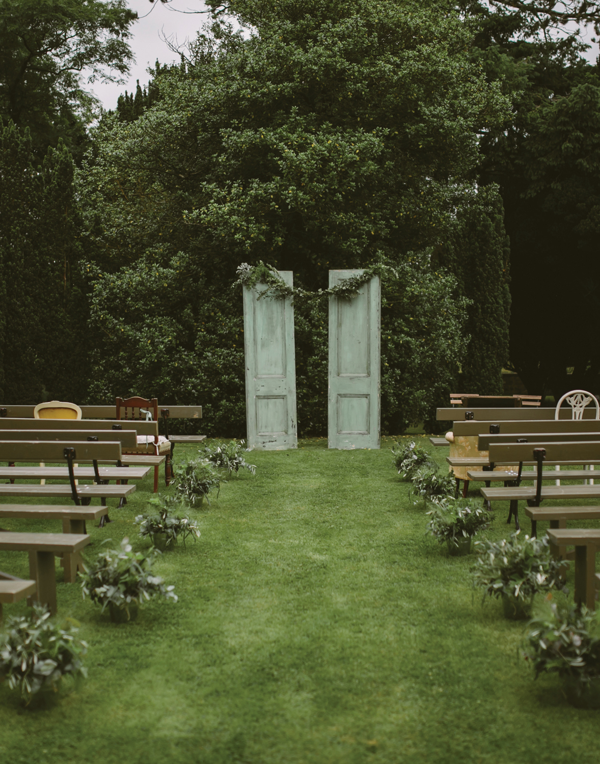 Ceremony Garden …Have your stylist set up your very own secret garden ceremony. Be inspired by organic and rustic themes.  Image Credit   Adam & Grace