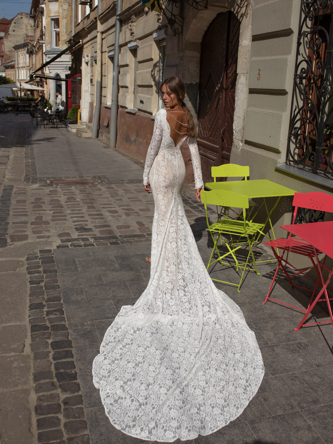 liri_designer_Wedding_Dress_Hili_back.jpg
