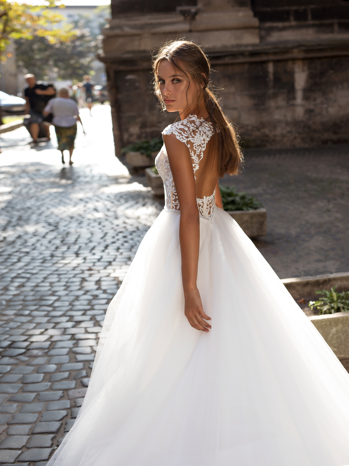 liri_designer_Wedding_Dress_Lydia+detail.jpg