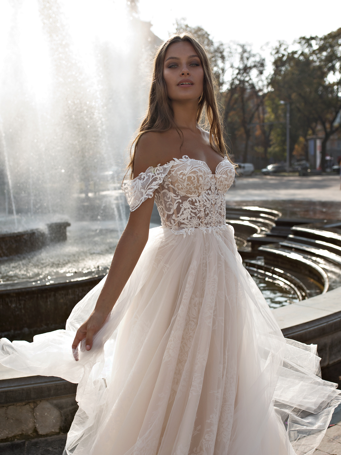 liri_designer_Wedding_Dress_melody.jpg