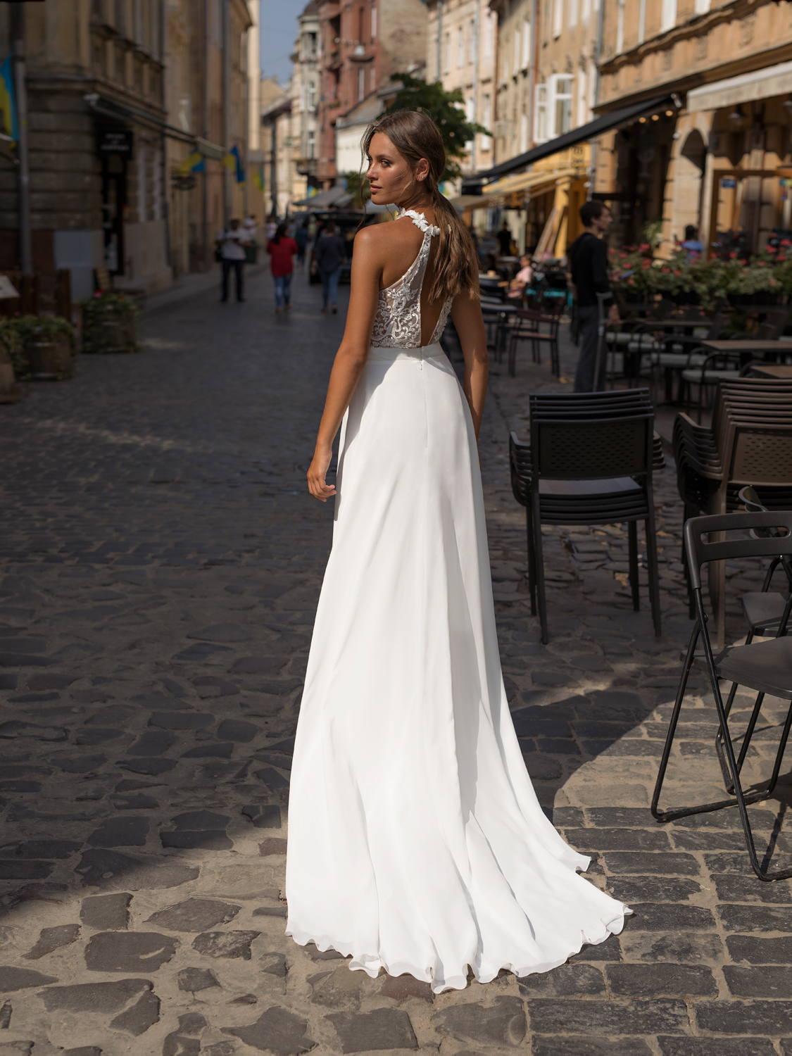 liri_designer_Wedding_Dress_ruby_back.jpg