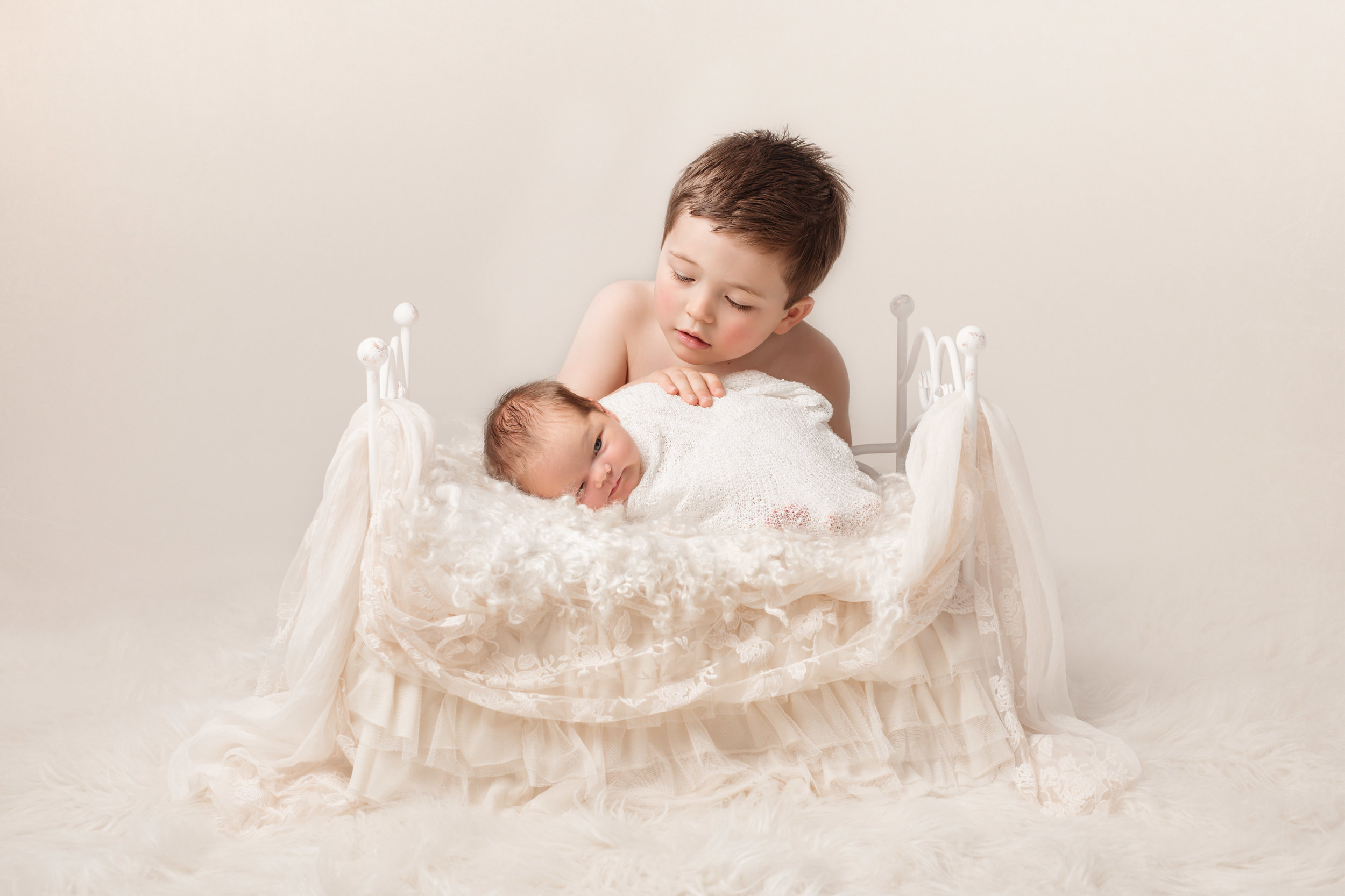 Karen Kimmins newborn : baby photography .jpg