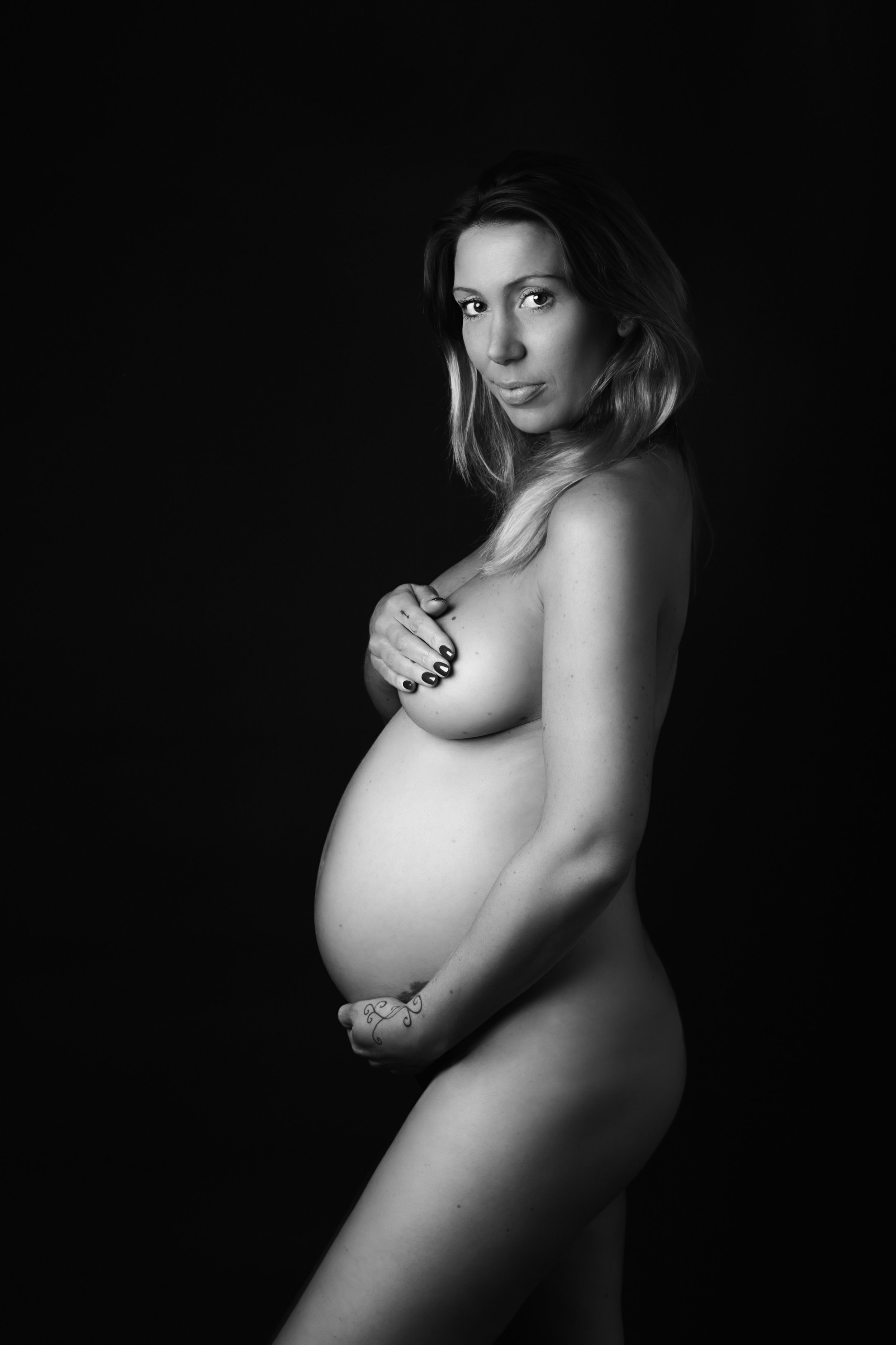 Karen Kimmins Photography. Maternity, pregnancy shoots. .jpg