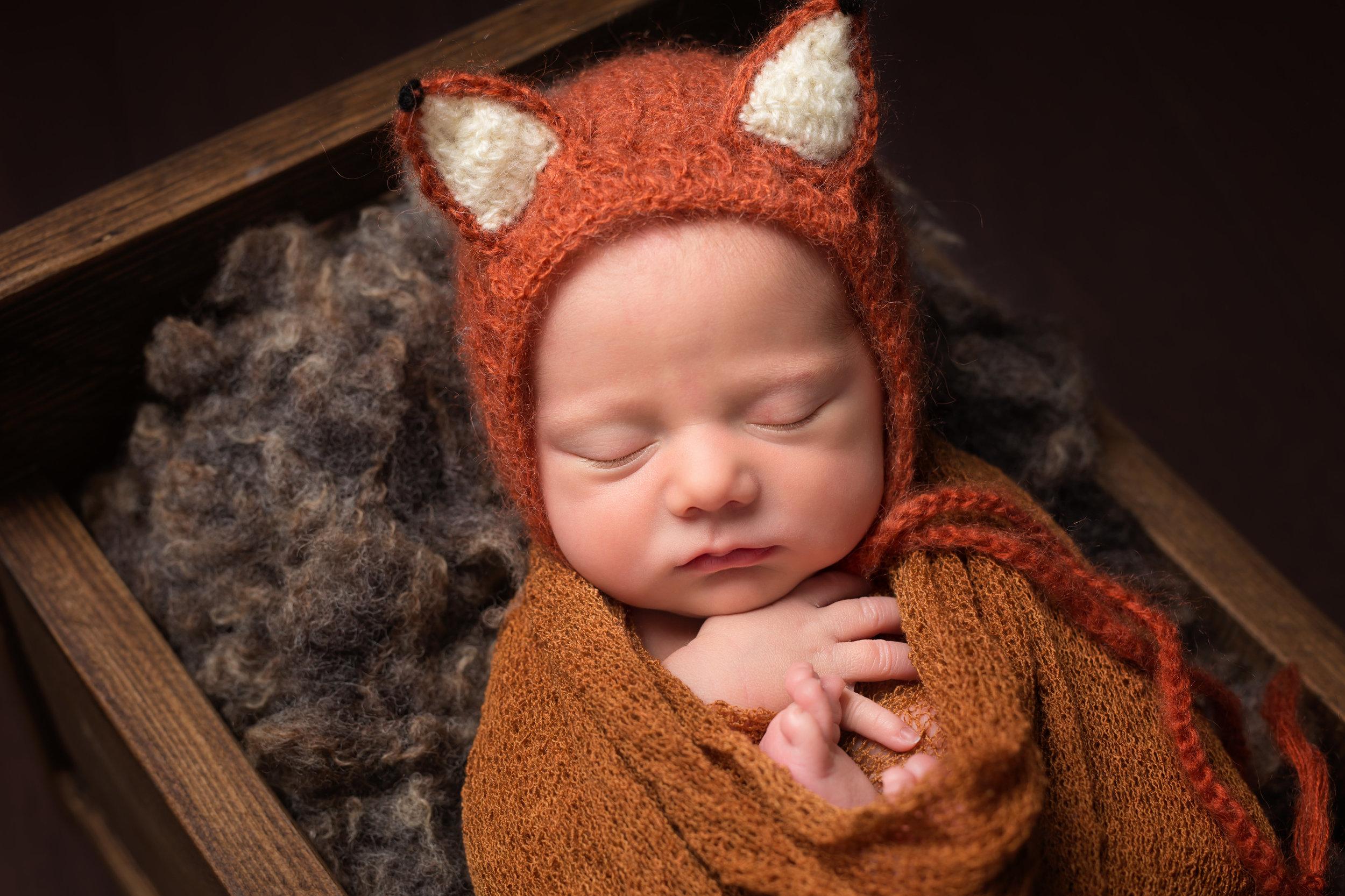 Newborn photographer in Wellington, Taunton, Somerset..jpg