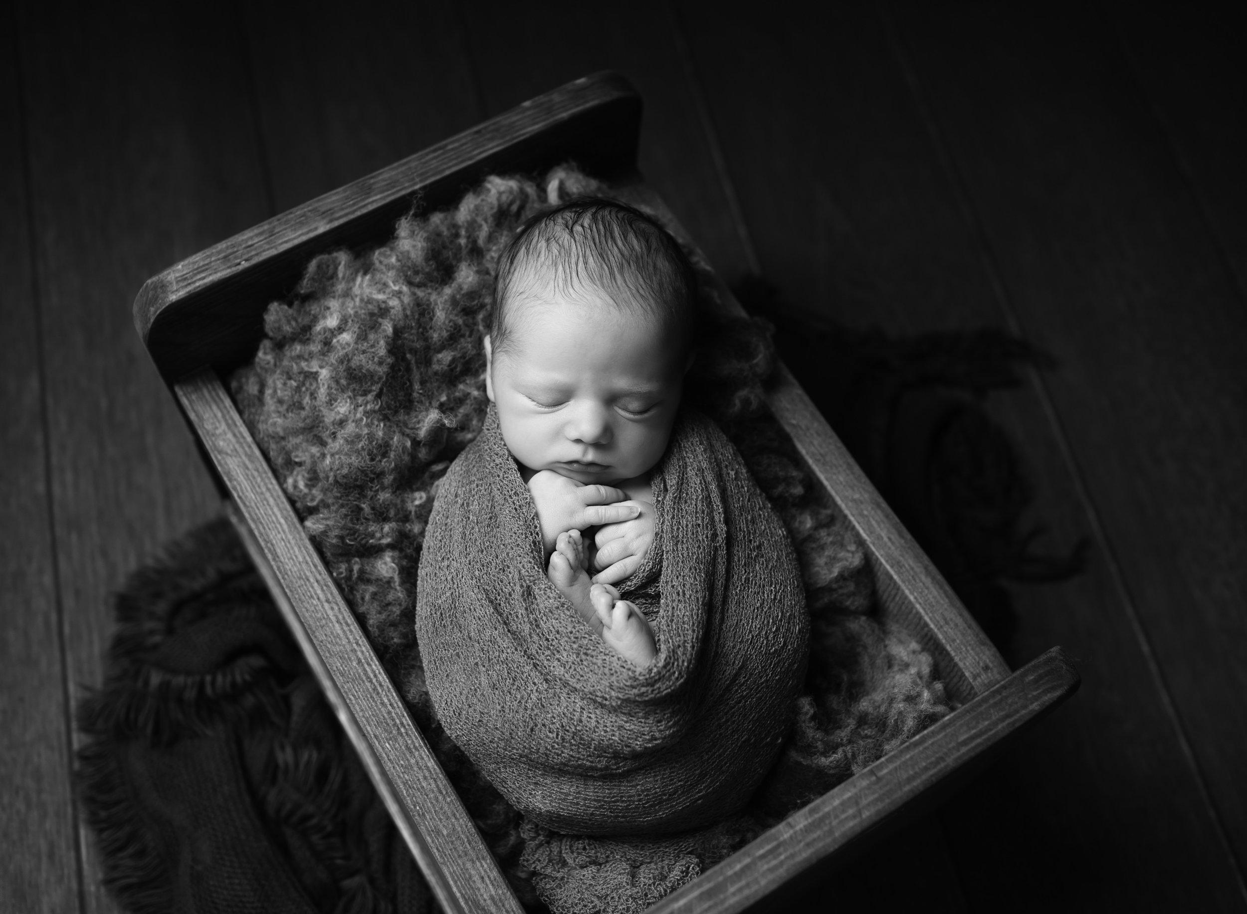 Karen Kimmins, newborn photographer serving Taunton, Wellinton, Bridgwater, Tiverton..jpg