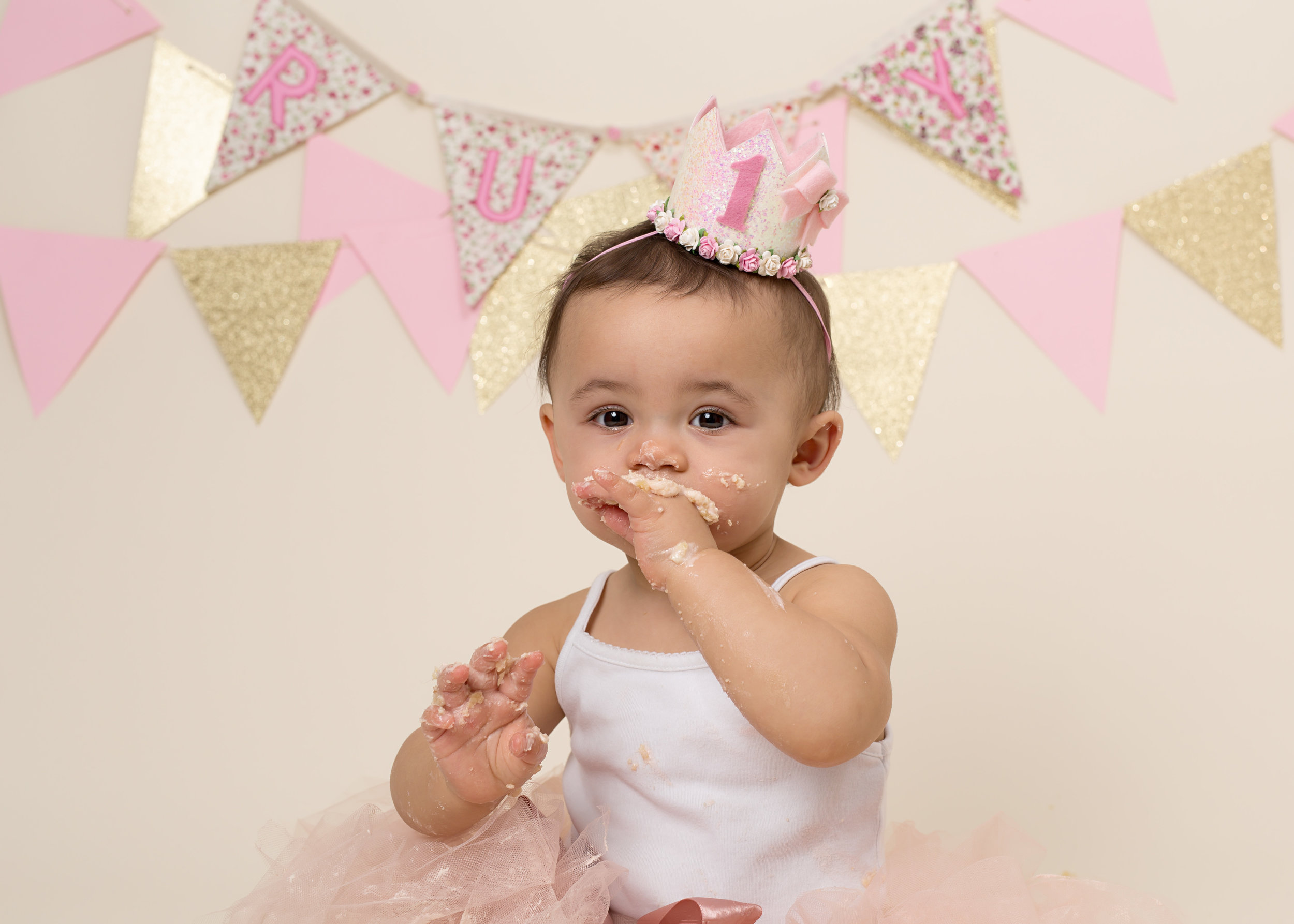 Cake smash photography, Wellington, Taunton, Somerset. Karen Kimmin..jpg