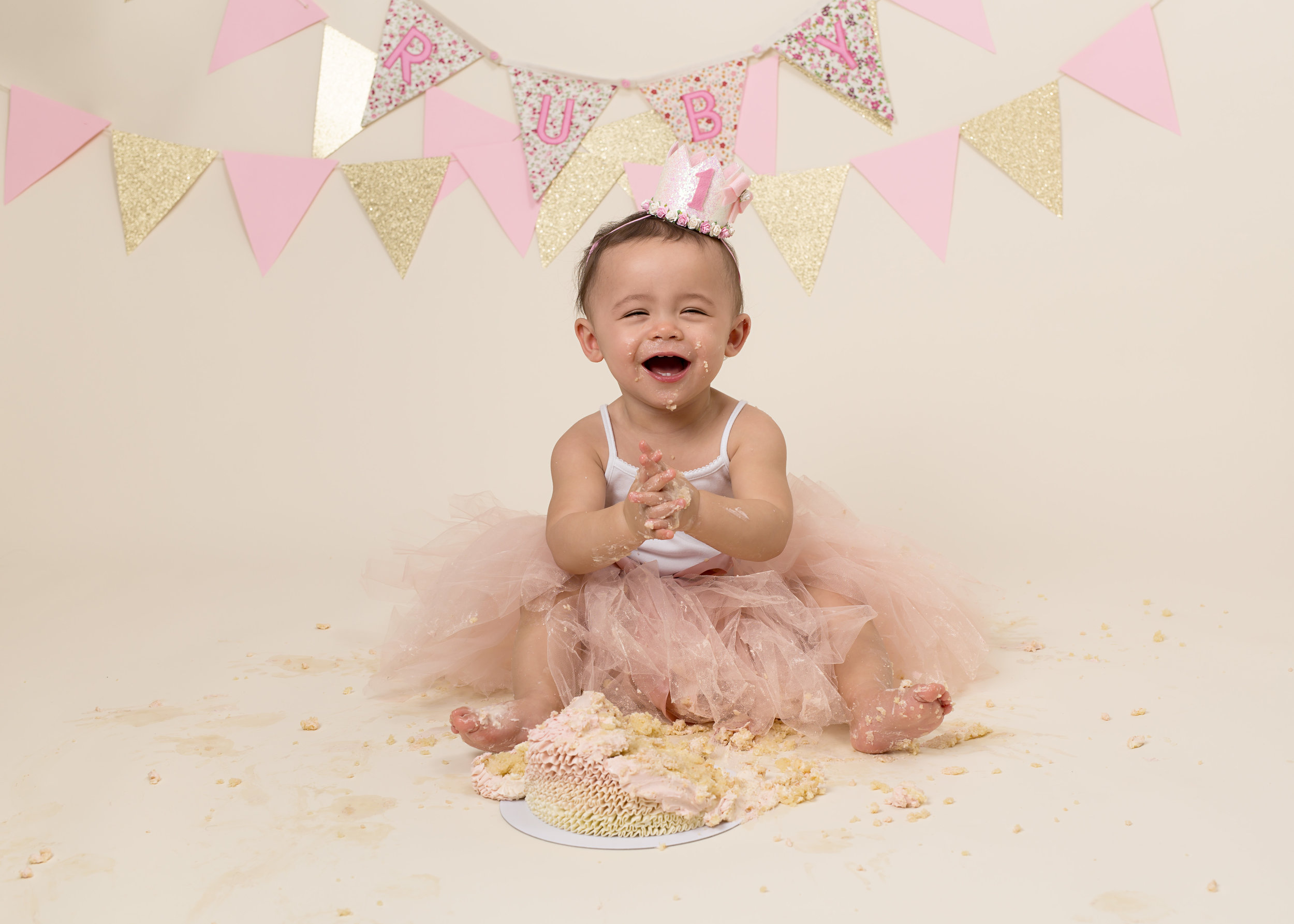 Karen Kimmins Photography, Wellington, Taunton, Somerset. Cake smash and splash. .jpg