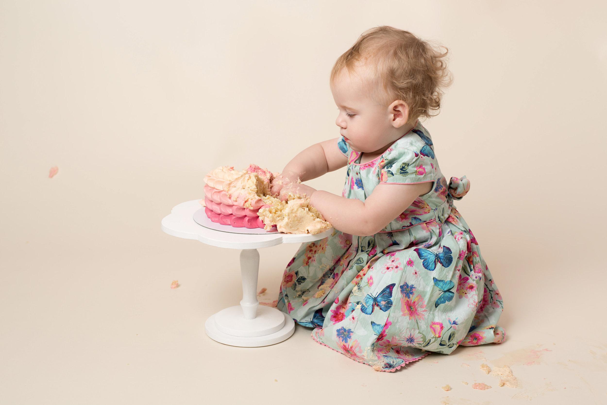 Karen Kimmins Photography - cake smash and splash sessions, Somerset..jpg