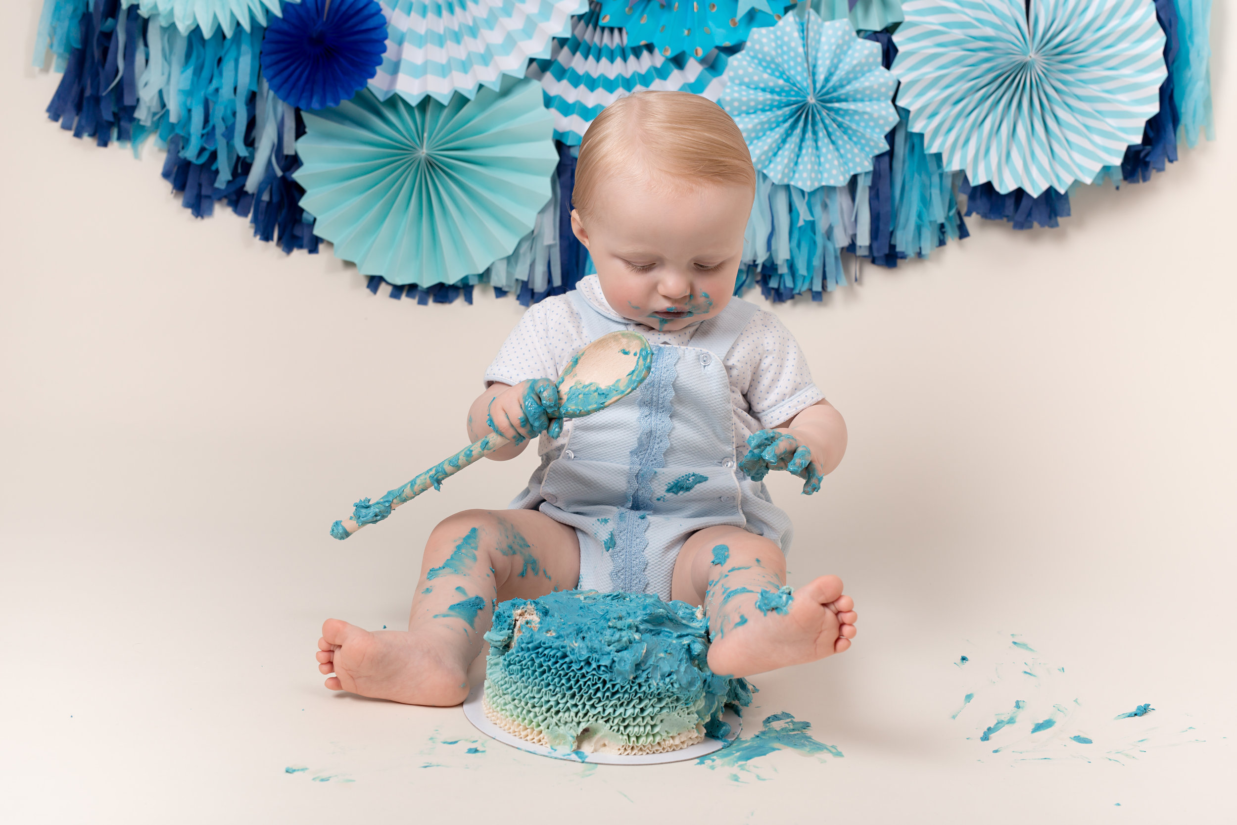 Karen Kimmins Photography - Cake smash photographer..jpg