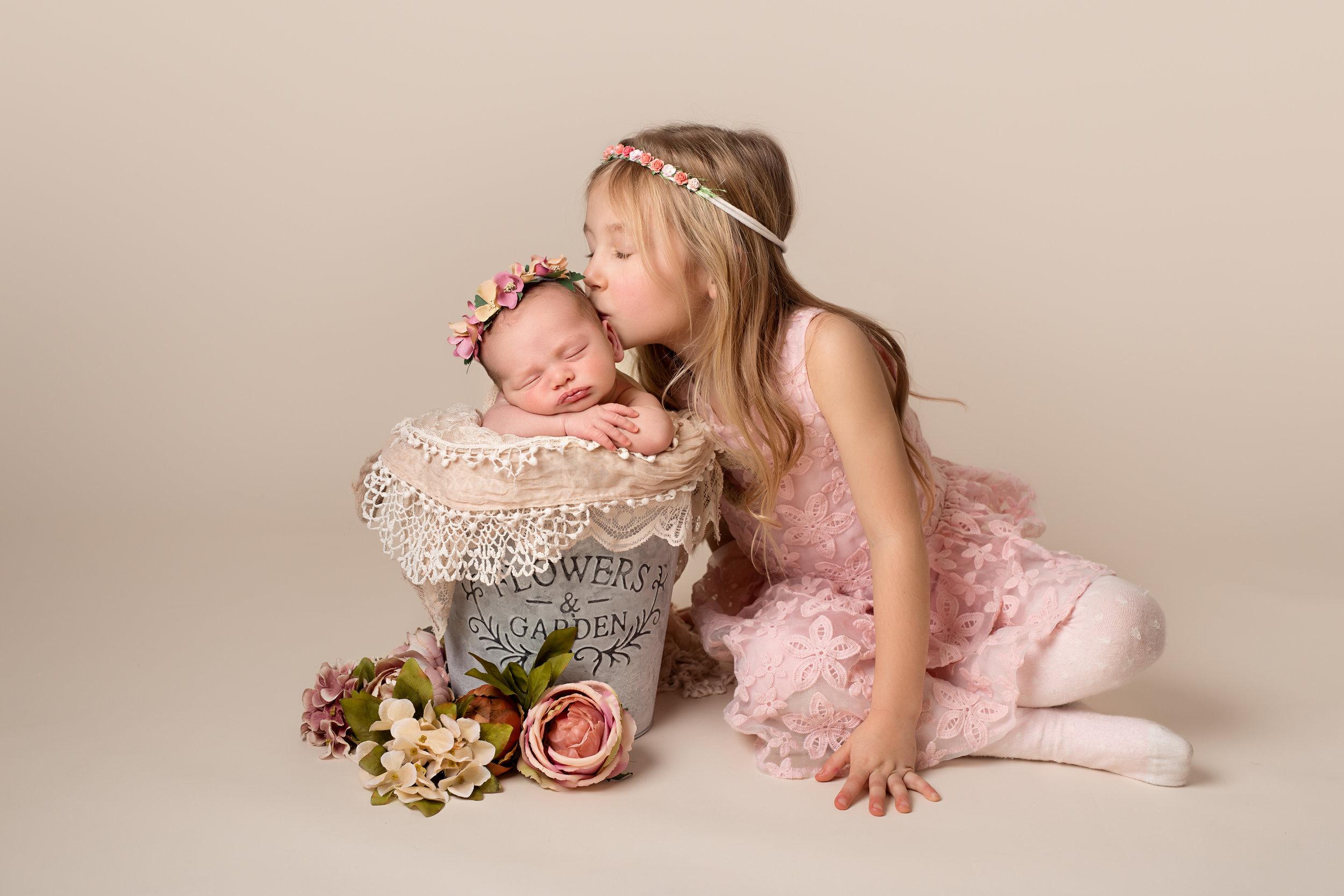 Specialist newborn photographer. Taunton, Somerset. .jpg