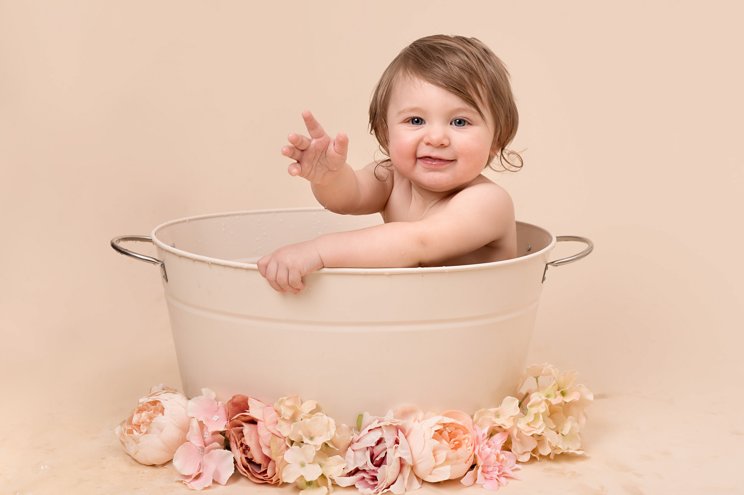 Cake smash and splash photo session, Taunton, Wellington, Somerset..jpg