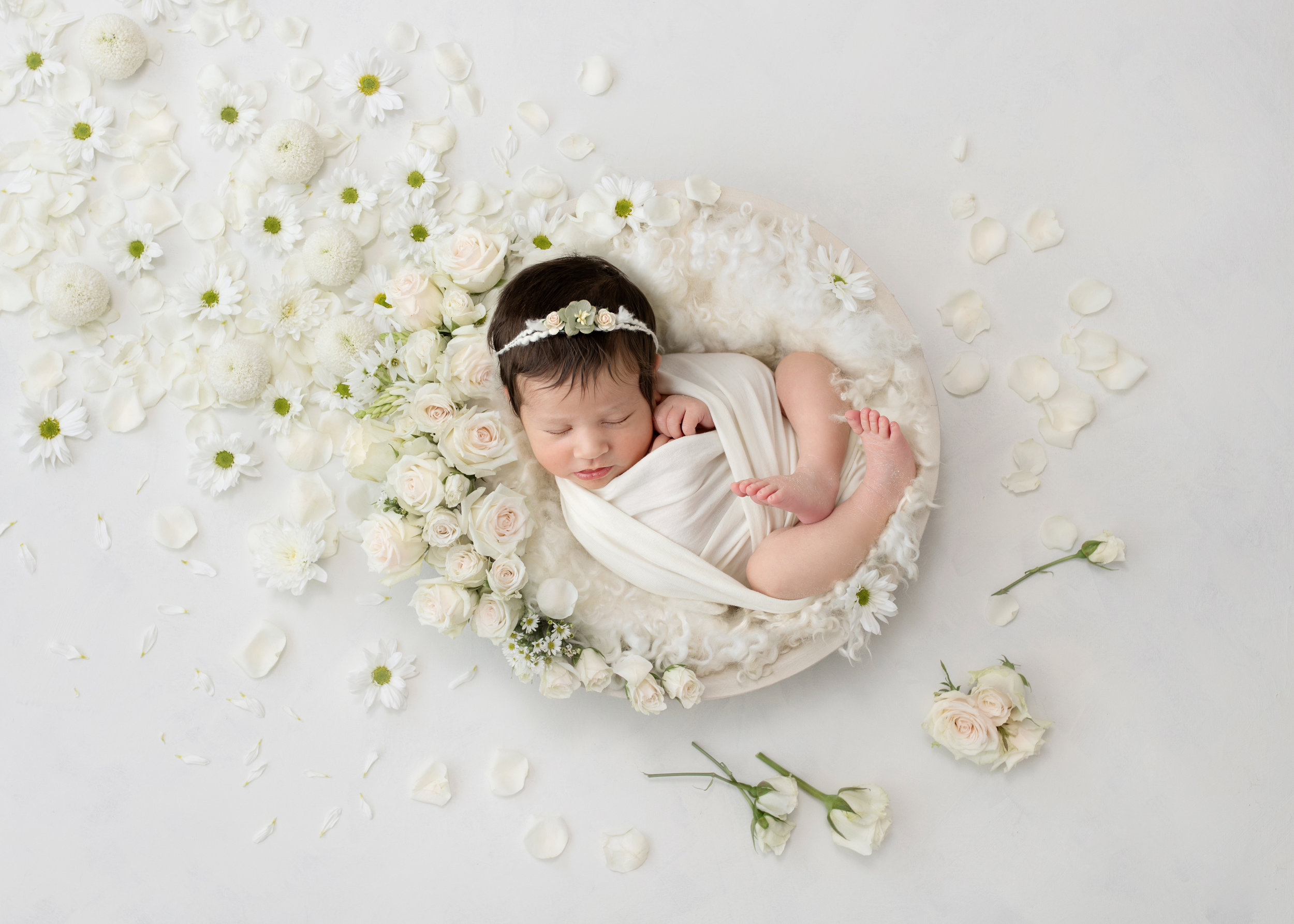 Karen Kimmins newborn photography specialist..jpg