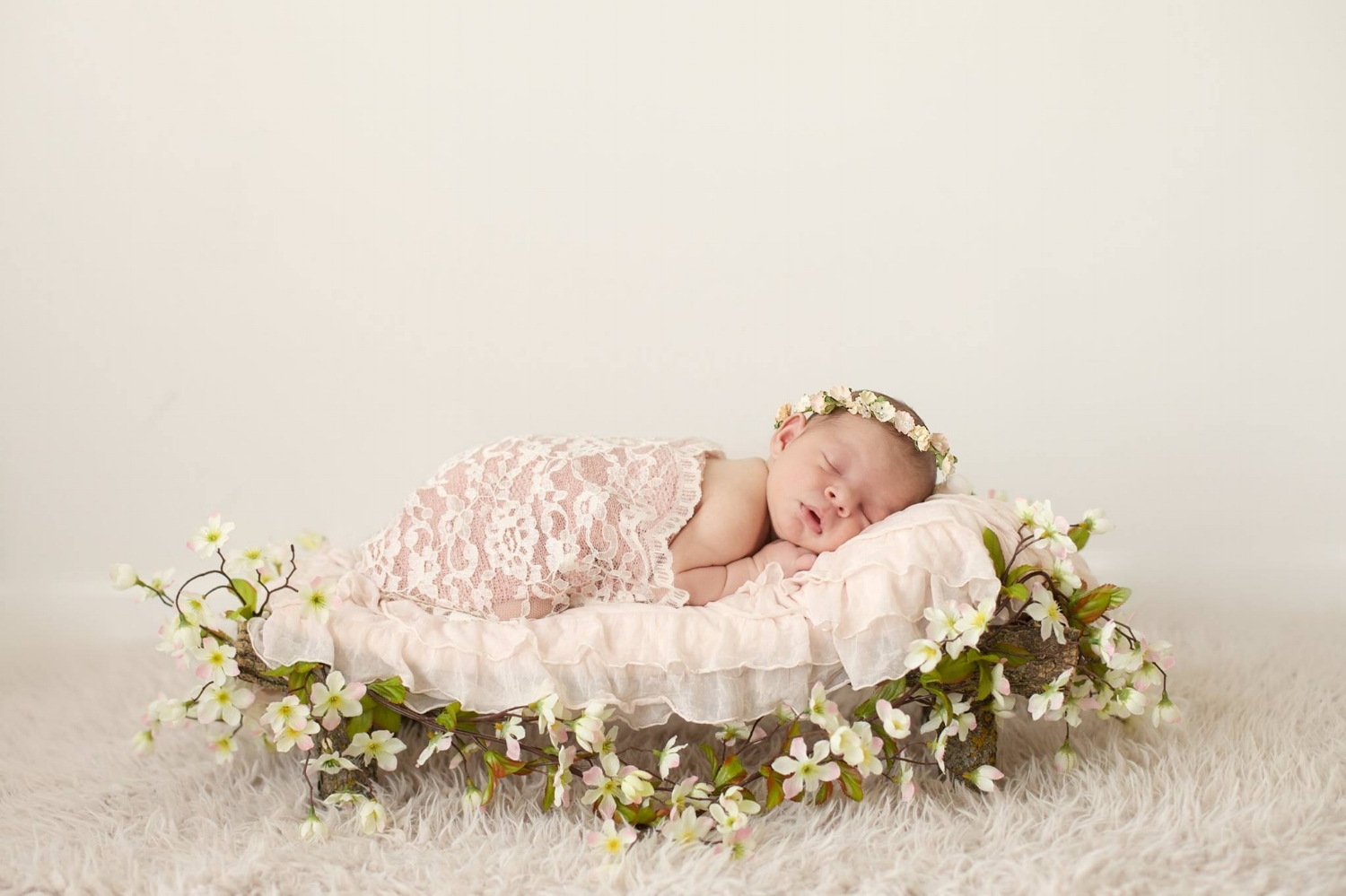 """Phebe"" Newborn Headband and Lace Wrap"