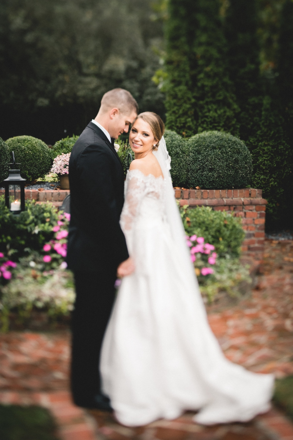 There are so many beautiful photos of Brielle and Alex. I love this picture of just the two of them in the gardens of Mankin Mansion right before cocktail hour began.