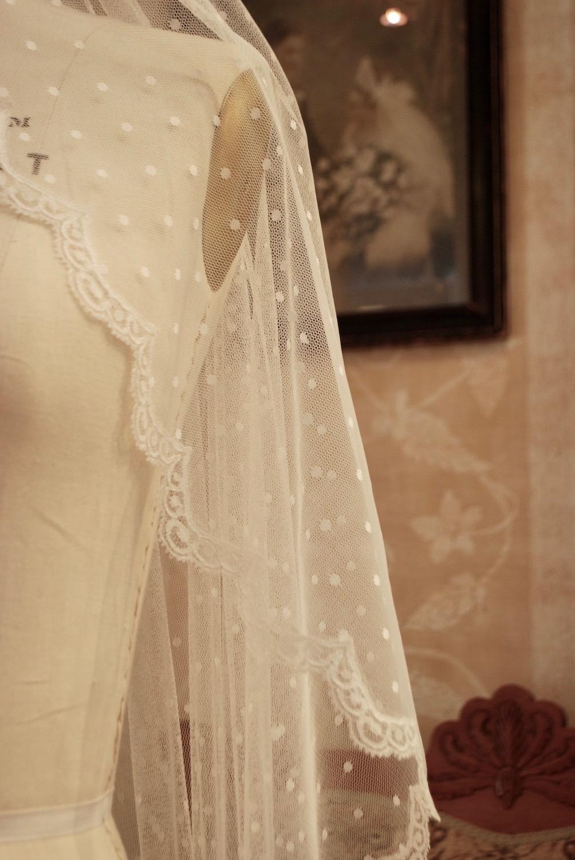 Swiss-dot-bridal-veil.jpeg