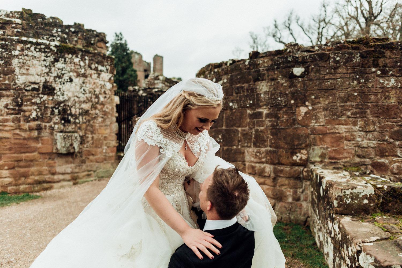 Kenilworth-castle-wedding-2.jpg