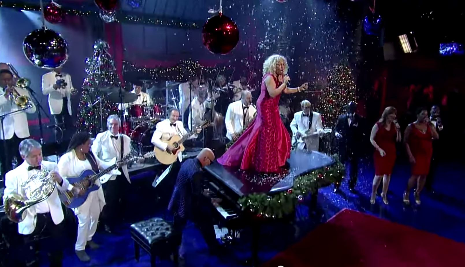 Darlene-Love-Letterman.jpg