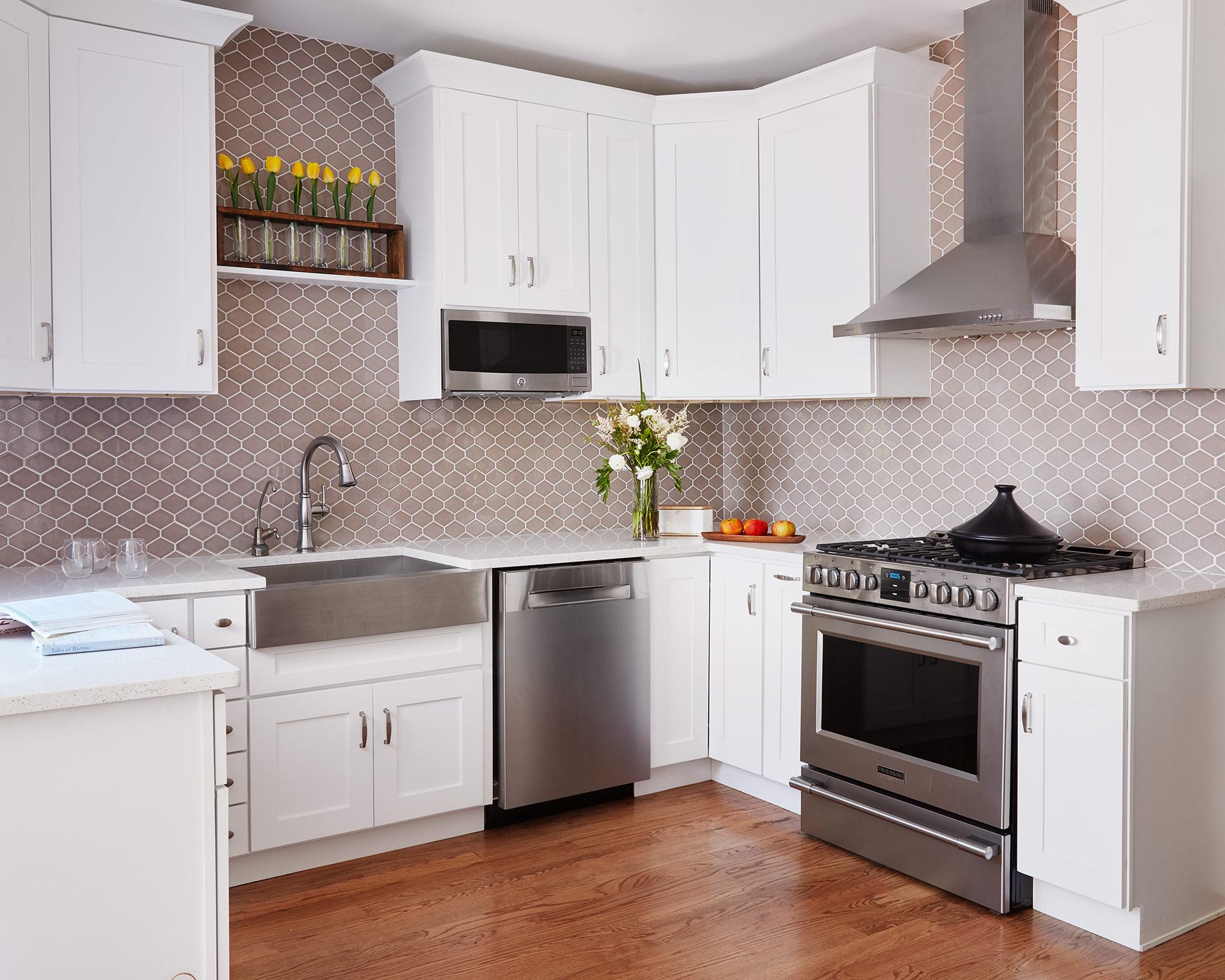 Kitchen- Interior Design by Paula Interiors